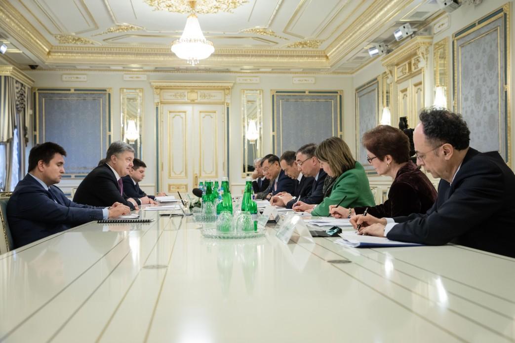 Российскую Федерацию накажут: Порошенко обсудил спослами G7 иЕС агрессиюРФ