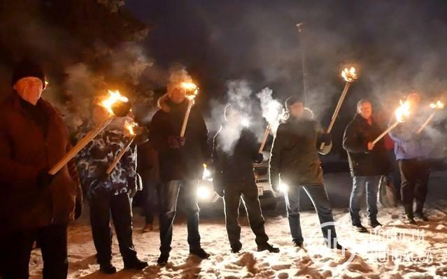 «Киевпопирает память миллионов жертв нацизма»: по Украине прошли факельные шествия в честь пособника Гитлера Степана Бандеры