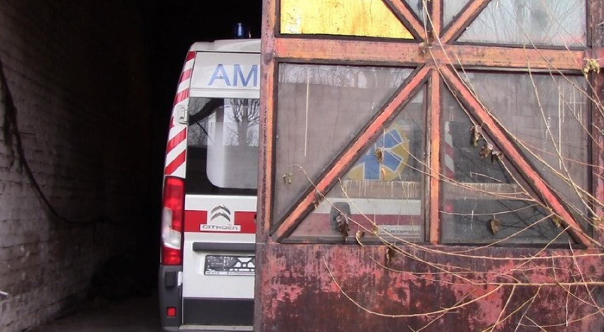 Машины «скорой помощи», подаренные Порошенко больницам Донецкой области, отыскали взаброшенном цеху