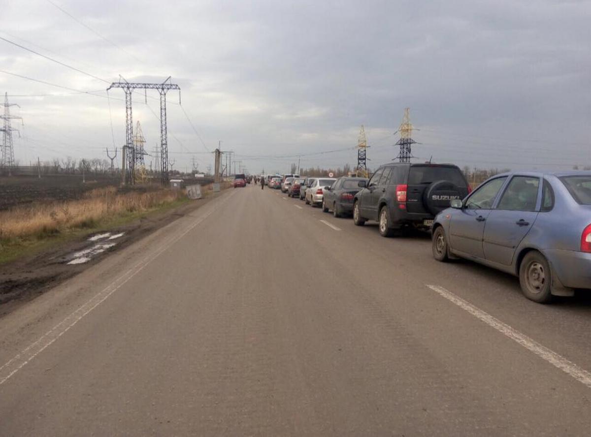 Боевики снова обстреляли контрольный пост «Марьинка»