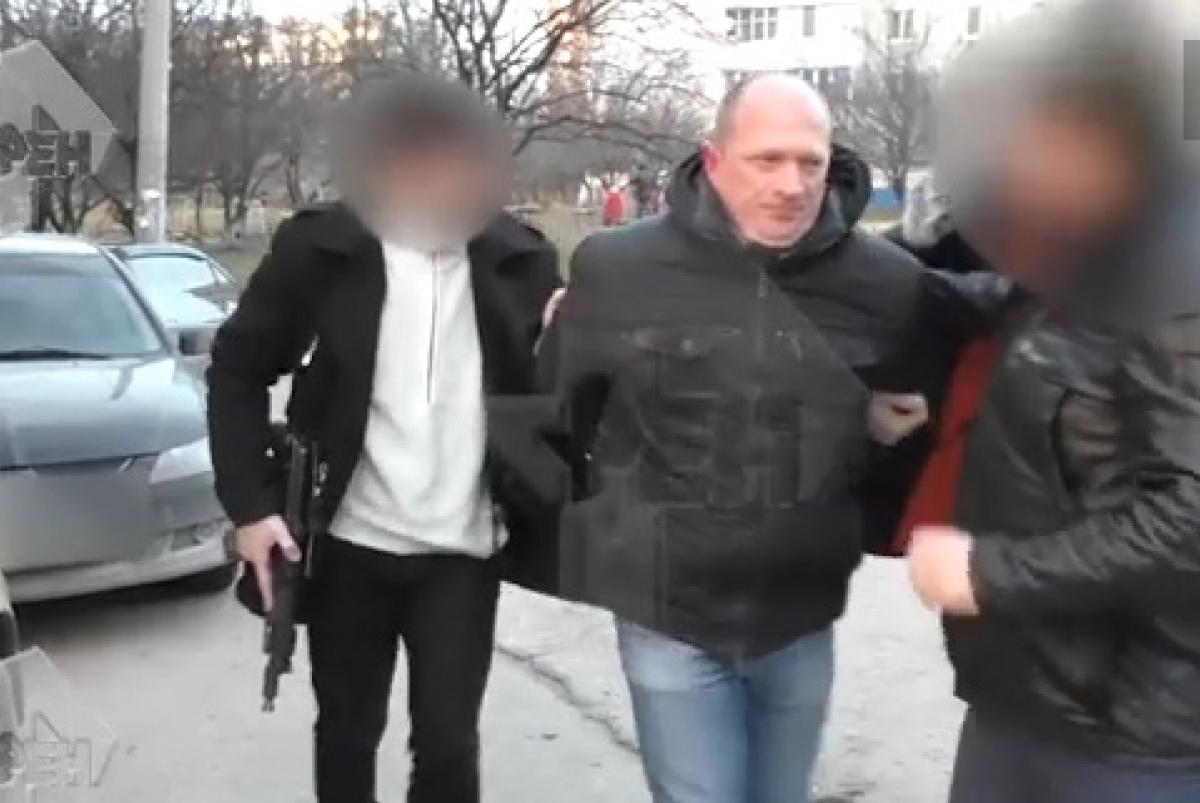 Террористы задержали луганчанина запосты в социальных сетях