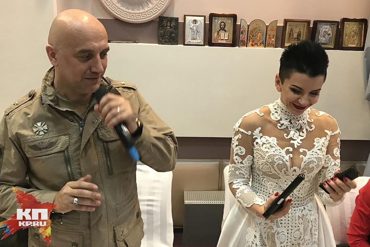 Среди гостей— Чичерина иЗахарченко. Писатель Прилепин обвенчался вДНР