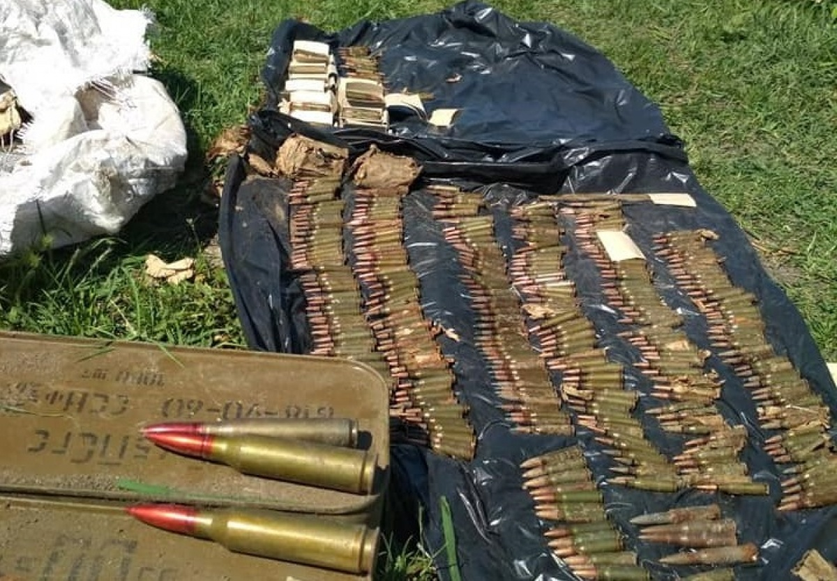 Таможенники отыскали тайник с3000 патронов вДонбассе