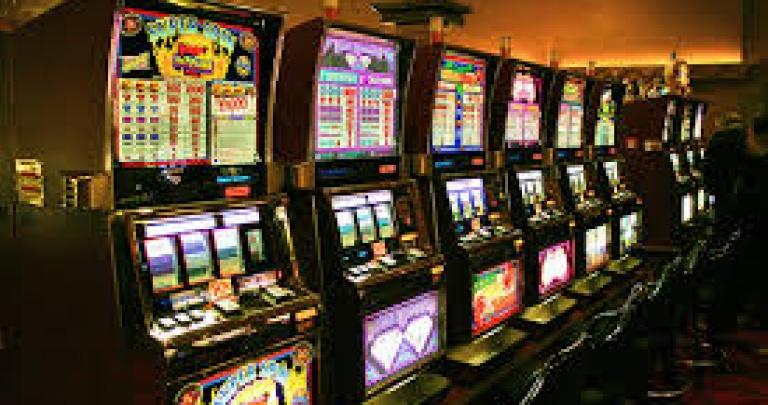 Игровые автоматы в горловке играть онлайн игровые автоматы чемпион